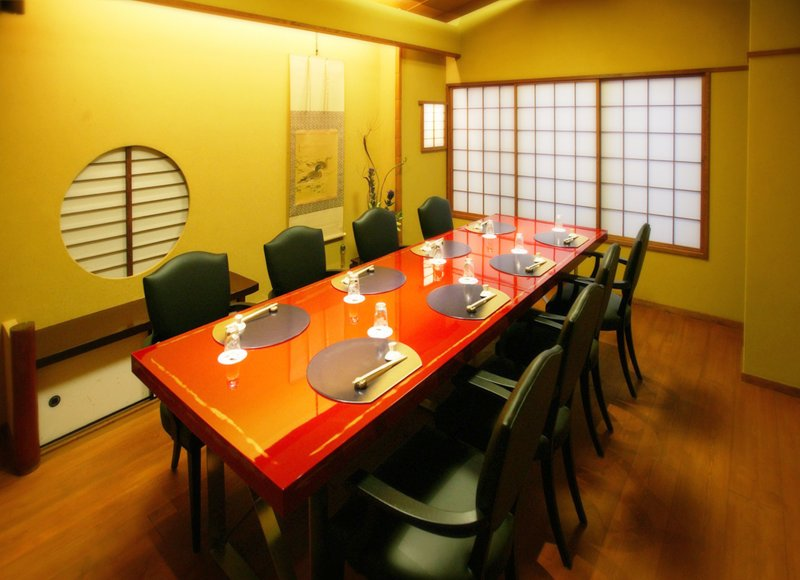 2F Rooms with standard chairs | AIGAMO TORIYASU